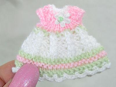 Miniatur Kleidchen Modeladen Kinderzimmer Puppenkleid Puppenstube 3,3 cm lang