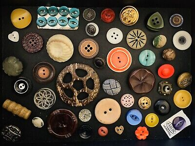 Mixed Lot Of Vintage Buttons And Buckles (lot8)