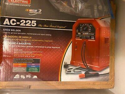 Lincoln Electric Ac-225 Arc Welder