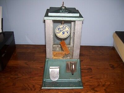 Vintage 1940's SUN 5 Cent Gumball / Nut Vending Machine.. Very Nice!