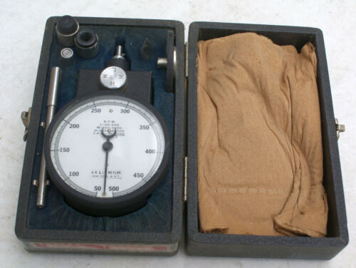 ANTIQUE A.R & J.E. MEYLAN TRIPLE RANGE MODEL 4800 HAND HELD TACHOMETER w/CASE jt