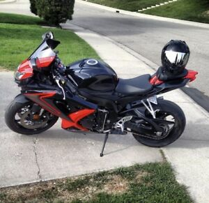 GSXR 750- 2008 black and red,