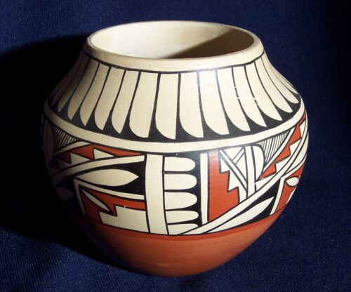 Vintage Acoma Pueblo Indian pottery olla jar feather and geometric designs pot