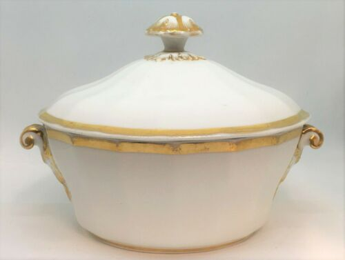 c.1820-1840 Old Paris Porcelain Covered Vegetable Dish With Gilding France