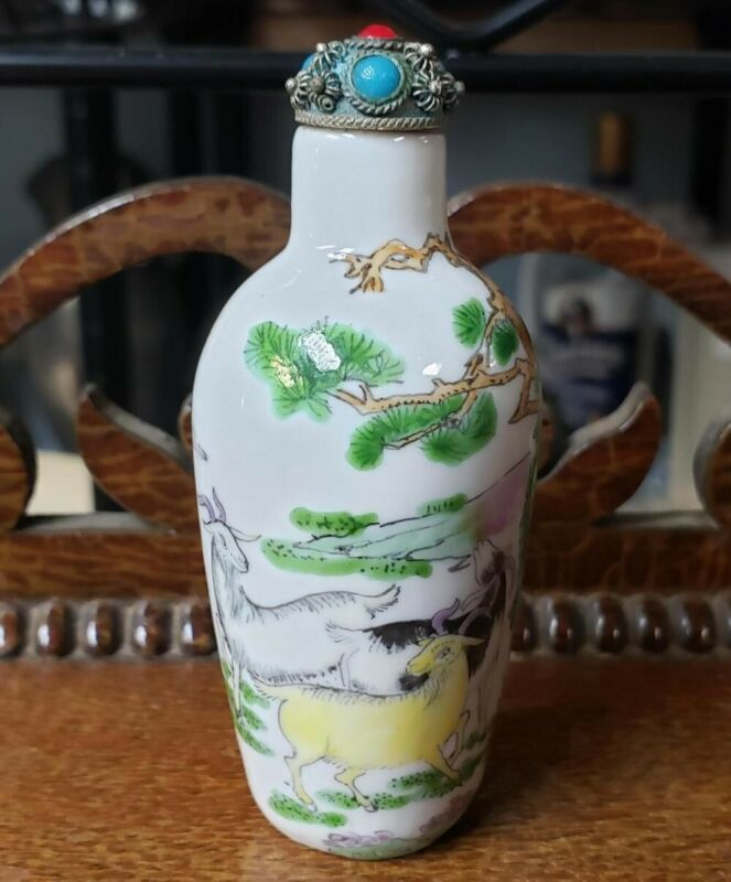 Early 20th Century Chinese Porcelain Goats Motif Snuff Bottle