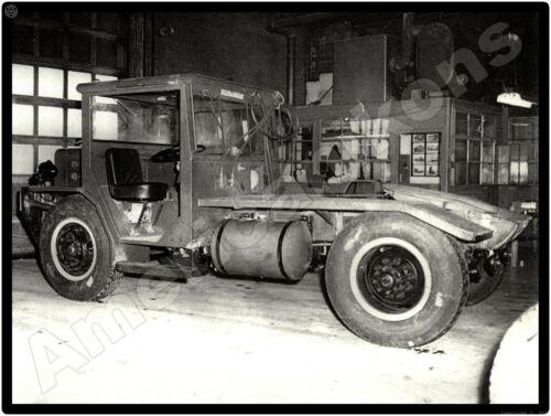 Hendrickson Trucks New Metal Sign: Hendrickson Yard Tractor? Pictured
