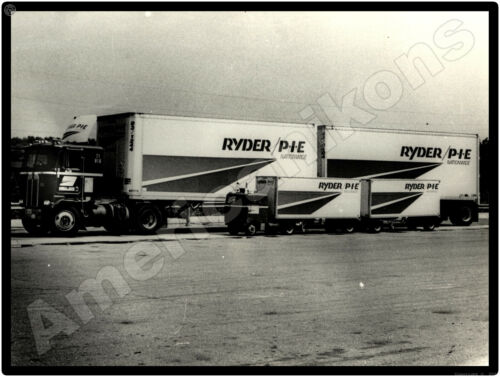 Kenworth Trucks New Metal Sign: PIE/Ryder Tractor Trailer with Scale Model Truck