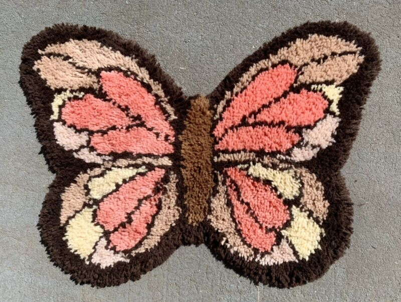 Vintage 1970s LATCH HOOK RUG Finished BUTTERFLY Pink BROWN Tan Yellow 30 x 20""