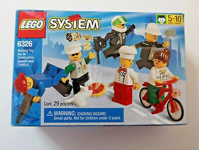 Lego 6326 TOWN FOLKS City Minifigure, 6 mini figs , 100% complete, Sealed Box