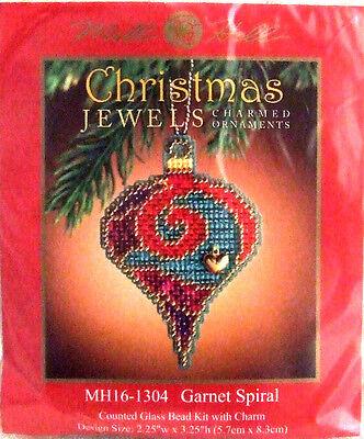 Mill Hill Cross Stitch Bead Kit Christmas /'Peridot/' Jewels Ornament 16-4304