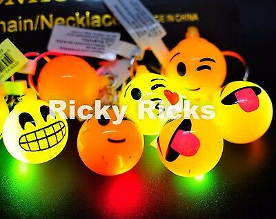 12 PCS Light-Up Emoji Keychains Emoticon Flashing LED Emotions Favors Key Chains