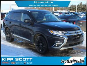 2017 Mitsubishi Outlander GT AWD, Heated Leather, Sunroof, Clean