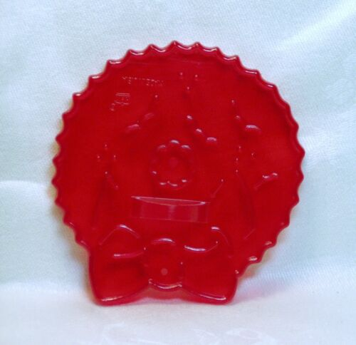 Vintage HRM Design Red Plastic Cookie Cutter - Wreath with Bow Christmas Door