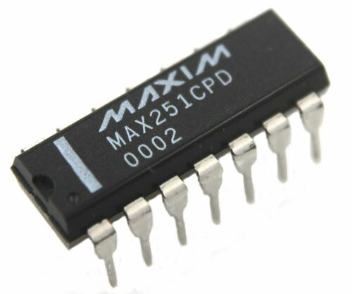 Maxim MAX251CPD +5V Isolated RS-232 Driver Receiver - Lot of 1, 5, or 10,