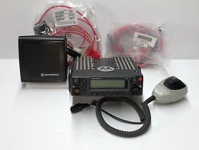 MOTOROLA XTL5000 XTL 5000 UHF  450-520 MHZ Digital P-25 RADIO POLICE FIRE T-BAND