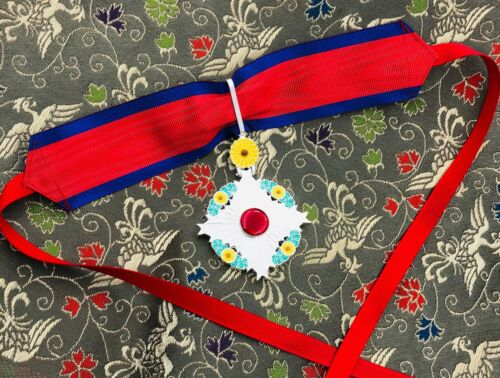 JAPANESE PREMIUM ORDER OF THE CHRYSANTHEMUM ON THE NECK IN SILVER