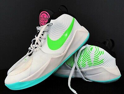 NIKE  Teamhustle Basketball  Shoes Youth White Green  Size  5Y