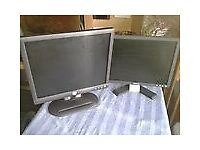 Dell monitors 15 & 17 inch screens £10 for the pair