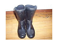 trials boots size 4