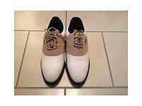 New pair Hi-tec Golf Shoes size 5