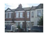 2 Bed first floor flat to rent on Cromwell Road, Hounslow Available now!