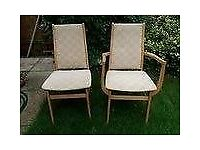 4 DINING CHAIRS & 2 CARVERS FROM A SMOKE AND PET FREE HOME IN VERY NICE CONDITION. COLLECT HERTFORD