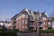 2 Bed Flat within walk of Boscombe Beach
