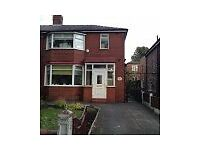 spacous single room to let in semi detached house in Salford