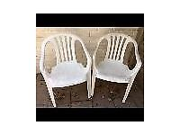 Set of 2 plastic garden chairs *FREE* for collection from Sonning Common.