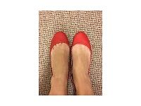 Well worn ladies shoes pumps flats 4