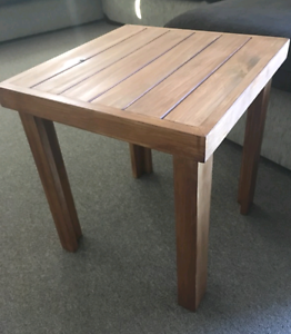 Lamp table new Shellharbour Shellharbour Area Preview