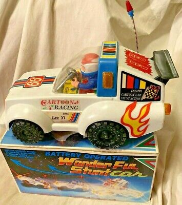 Vintage wonder ful stunt car Battery operated excellent working W/BOX 1985