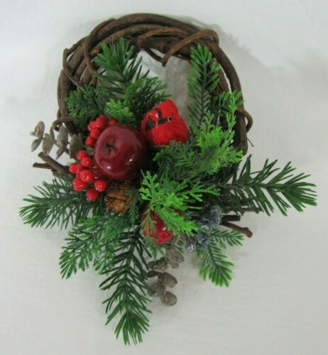 VINTAGE PLASTIC & GRAPEVINE WREATH W/ REAL FEATHER CARDINAL CHRISTMAS GREENERY