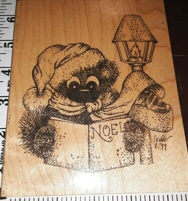 Fuzzy bear,noel lamp post caroling, huge, Lynne 99,926,rubber,stamp, wooden