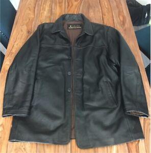 Manteau de cuir Columbia Size Large, excellente condition.