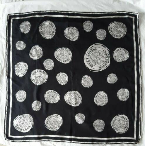 Foulard louis vuitton en soie louis vuitton silk scarf