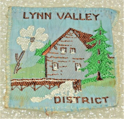 LYNN VALLEY DISTRICT Ribbon Square Boy Scout Uniform Badge Canadian (ONL2C) USED