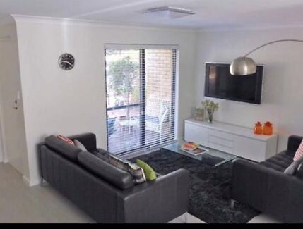 Light and Bright - Fully Renovated Subi Townhouse