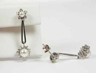 Klassische Ohrringe/Ohrpendel mit echten Akojaperlen u. Diamant; 585 Weißgold