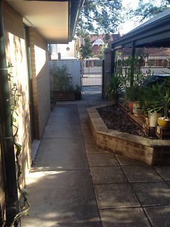 2 rooms Adelaide share house CBD rent, bills & internet included