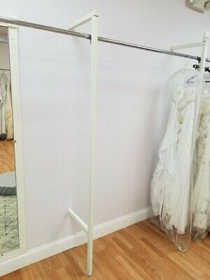 Boutique White Square Tubing Outrigger Upright Wall Unit 78 Tall 21 Piece Lot