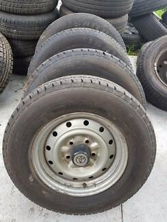 4X Toyota hiace stock wheel and tyres 185 R14