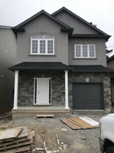 **ALL UTILITIES INCLUDED** 5 Bedroom House with ENSUITES!!