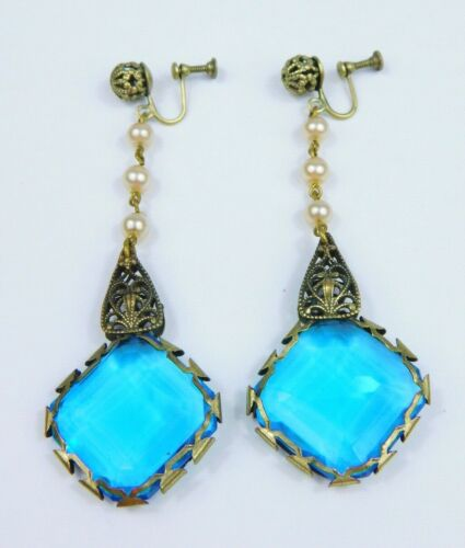 Vtg Art Deco Brass Tone Filigree Blue Czech Glass Screw-Back Dangle Earrings