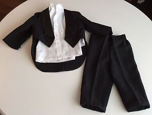 Toddler Boys Black Suit Three Piece Suit Size 18-24 months