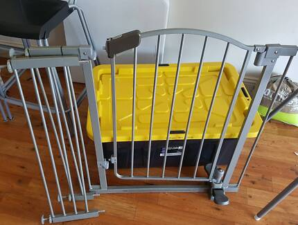 Baby gate. Pick up Forest Lake