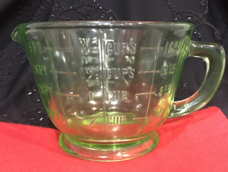 Green Depression Glass 2 Cup, 16 oz. Footed Measuring Cup