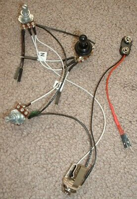 Solderless EZ-INSTALL Wiring KIT for 2 ACTIVE EMG PU 1V1T 3-Way Round Black -