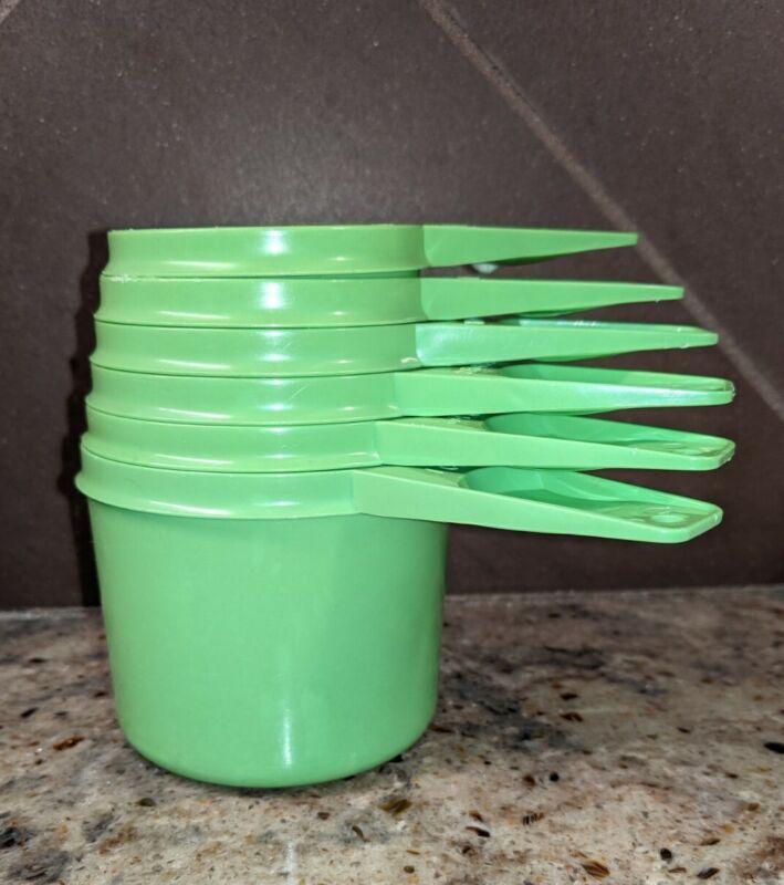 Vintage Tupperware MEASURING CUPS Complete Set 6 Apple Green #761-766