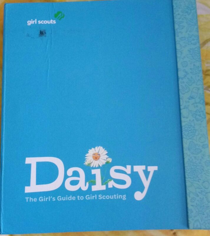 Daisy Girl Scout Girls Guide very good condition and complete